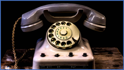 old fashioned rotary phone